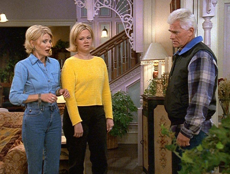 Brads Vater Mr. Alcerra (Tim Thomerson, r.) besucht Zelda (Beth Broderick, l.) und Hilda (Caroline Rhea, M.), um sie zu informieren, dass ihre Kinde... - Bildquelle: Paramount Pictures
