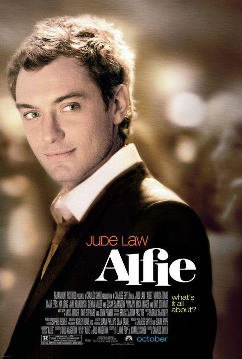 Alfie (Jude Law) ist der geborene Womanizer. Jede freie Minute geht er auf die Jagd nach den schönsten Frauen New Yorks - nur, um sie dann weniger... - Bildquelle: Paramount Pictures