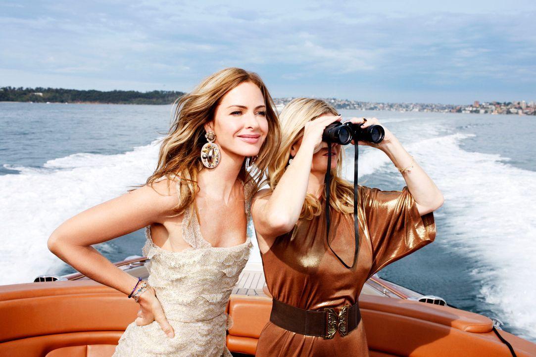 Trinny (l.) und Susannah (r.) reisen nach Australien, um dort 20 hässliche Entlein in schöne Schwäne zu verwandeln ... - Bildquelle: XYZ Networks
