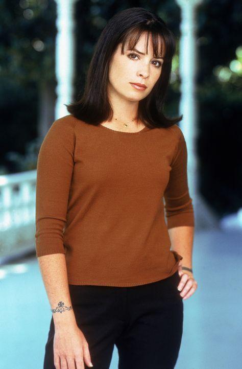 (1. Staffel) - Piper Halliwell (Holly Marie Combs) ist ziemlich verwirrt seit sie und ihre Schwestern herausgefunden haben, dass sie Hexen sind ... - Bildquelle: Paramount Pictures