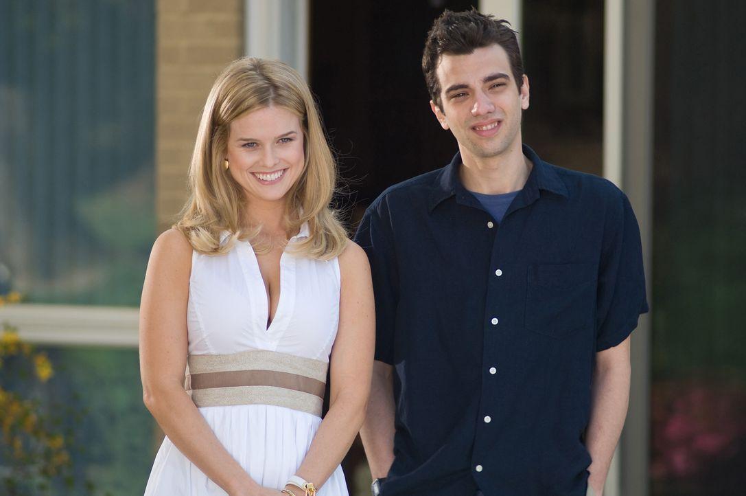 Ein ungleiches Paar: Molly (Alice Eve, l.) und Kirk (Jay Baruchel, r.) ... - Bildquelle: 2009 DREAMWORKS LLC. All Rights Reserved.