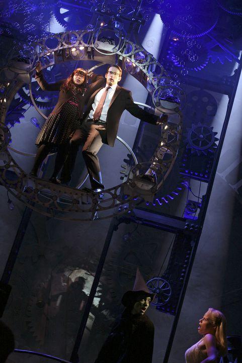 Traum oder Wirklichkeit: Betty (America Ferrera, l.) und Henry (Christopher Gorham, r.) ... - Bildquelle: Buena Vista International Television