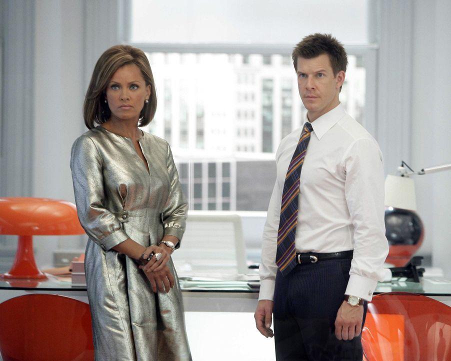 Als Wilhelmina (Vanessa Williams, l.) merkt, dass Daniel (Eric Mabius, r.) ihr MODE nicht einfach so überlässt, entwickelt sie einen teuflischen Pla... - Bildquelle: Buena Vista International Television