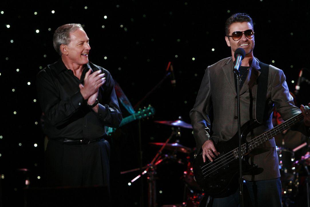 Ein wahrlich ungleiches Duo: George Michael (r.) und der Kanzleichef Jordan (Victor Garber, l.). - Bildquelle: Disney - ABC International Television