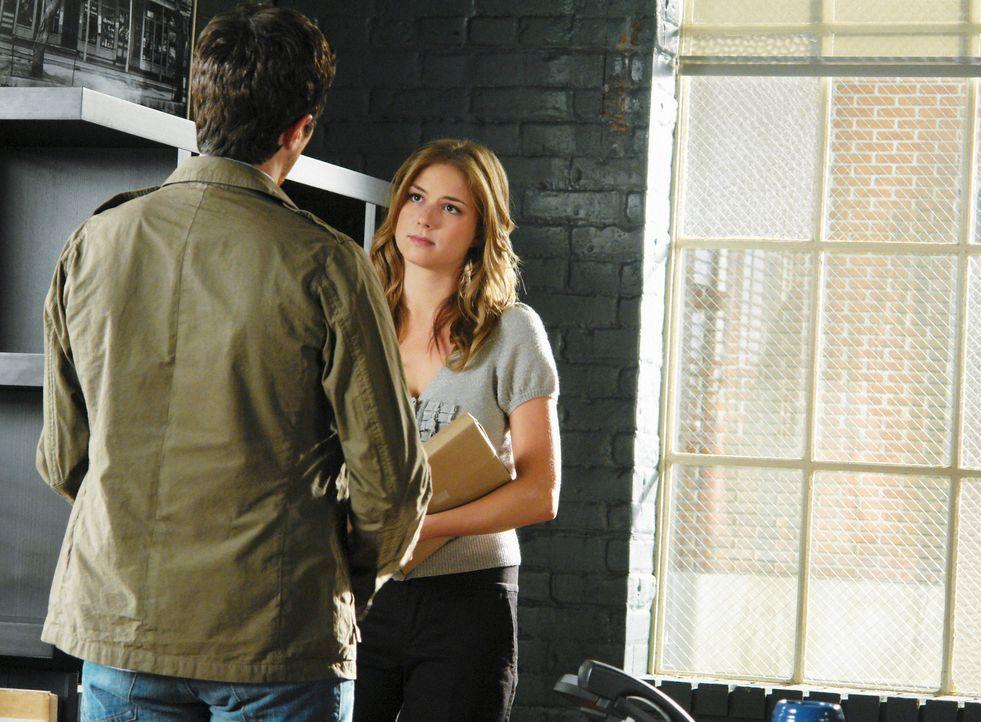 Deutet das Jobangebot von Holly an Rebecca (Emily VanCamp, r.) als ein Versuch das Mutter-Tochter-Verhältnis zu verbessern: Justin (Dave Annable, l.... - Bildquelle: 2008 ABC INC.