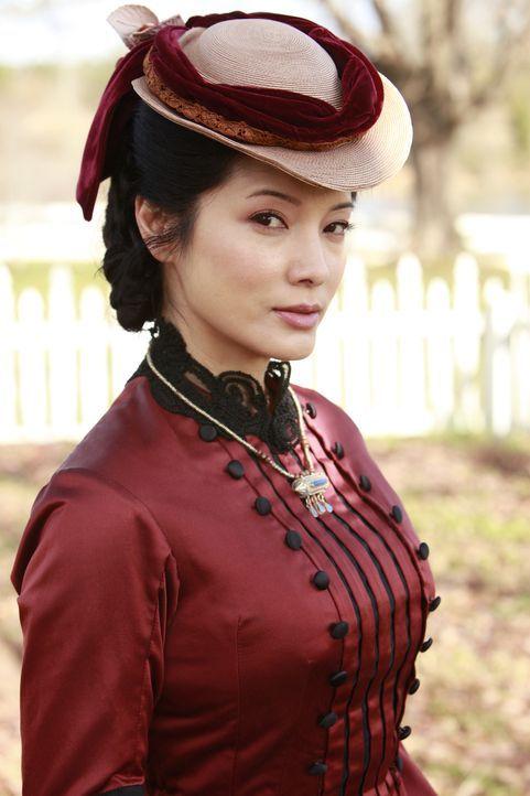 Als treue Gefährtin steht Pearl (Kelly Wu) Katherine immer zur Seite ... - Bildquelle: Warner Bros. Television