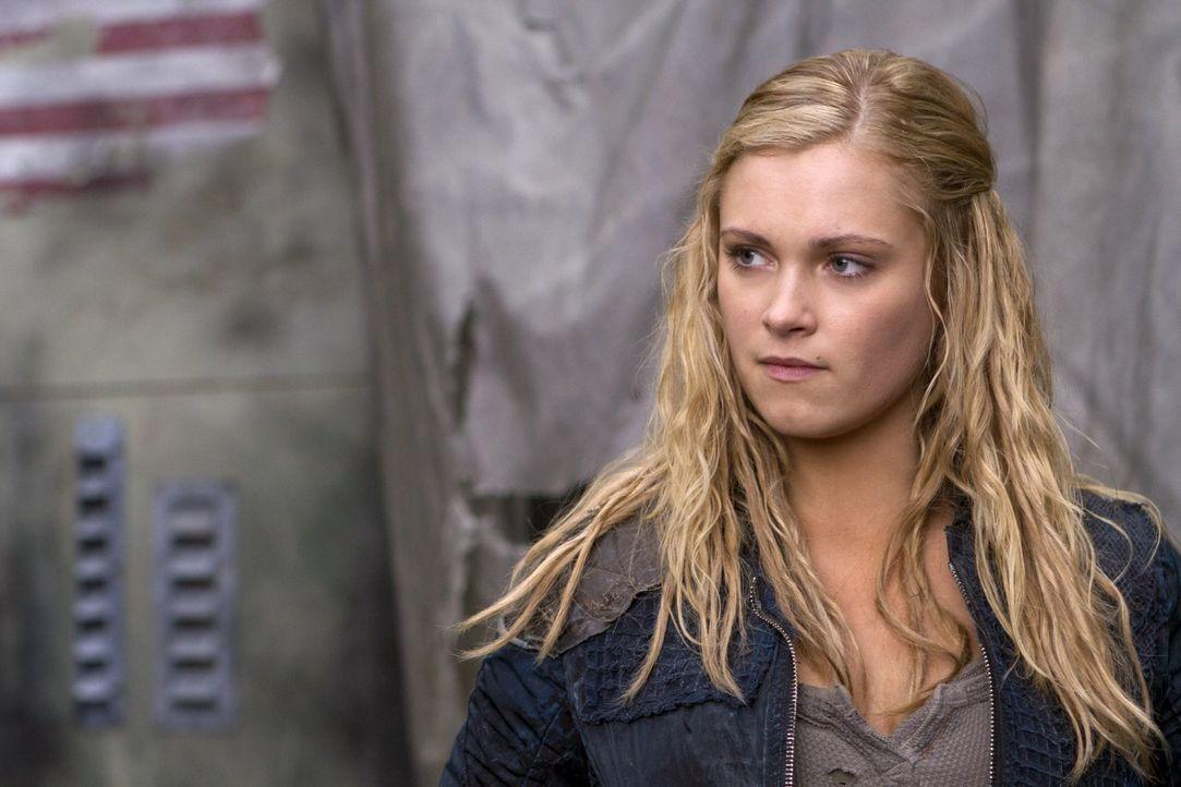 Wird es Clarke (Eliza Taylor) gelingen, mit dem Anführer der Erdenbewohner Frieden zu vereinbaren? - Bildquelle: Warner Brothers