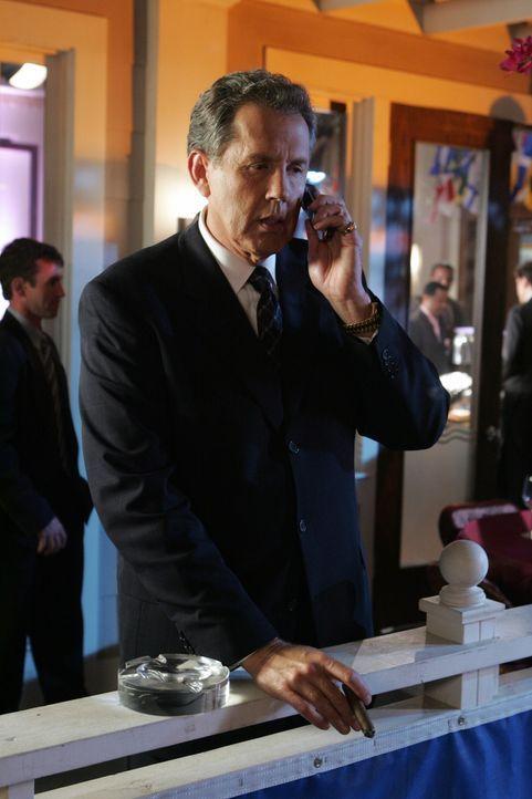 """Wird Gordon Bullit (Gary Grubbs) in """"New Match"""" investieren? - Bildquelle: Warner Bros. Television"""