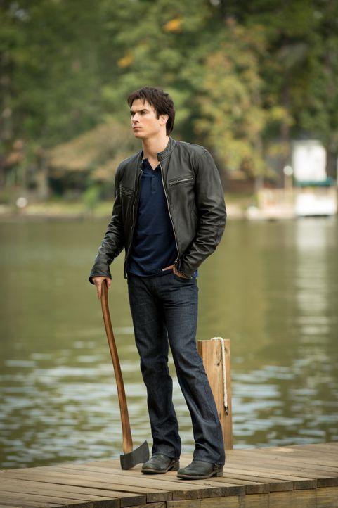 Er ist derjenige, der egoistisch das tut, was er möchte, doch dieses Mal ist das gar nicht so einfach: Damon (Ian Somerhalder) ... - Bildquelle: Warner Brothers