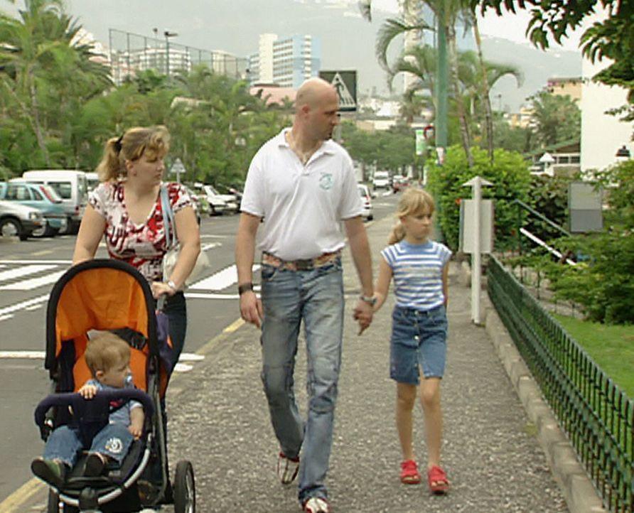 Ohne ein Wort Spanisch zu können, kommt Familie Przybyllok auf der Kanareninsel an. - Bildquelle: kabel eins