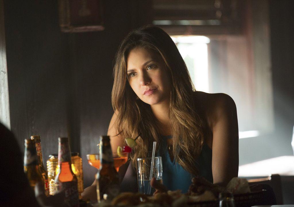 Die Tatsache, dass Elena (Nina Dobrev) einfach einen Teil der Vergangenheit vergessen hat, macht es für Stefan nicht einfach zu verarbeiten, was pas... - Bildquelle: Warner Bros. Entertainment, Inc