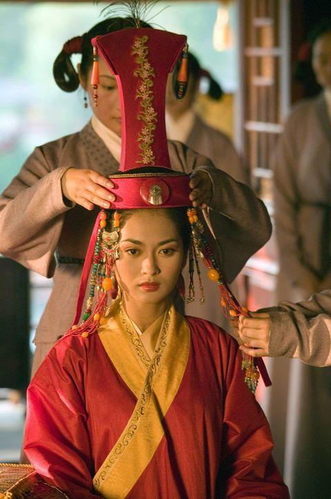 Die atemberaubende Schönheit Kensai (Desiree Ann Siahaan) wurde durch die Männer des mächtigen Kublai Khans ihrer Familie entrissen und zur Kurti... - Bildquelle: 2006 RHI Entertainment Distribution, LLC