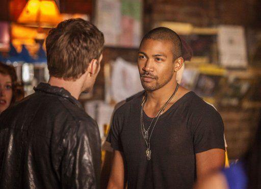 Klaus und Marcel - Bildquelle: Warner Bros. Entertainment Inc.