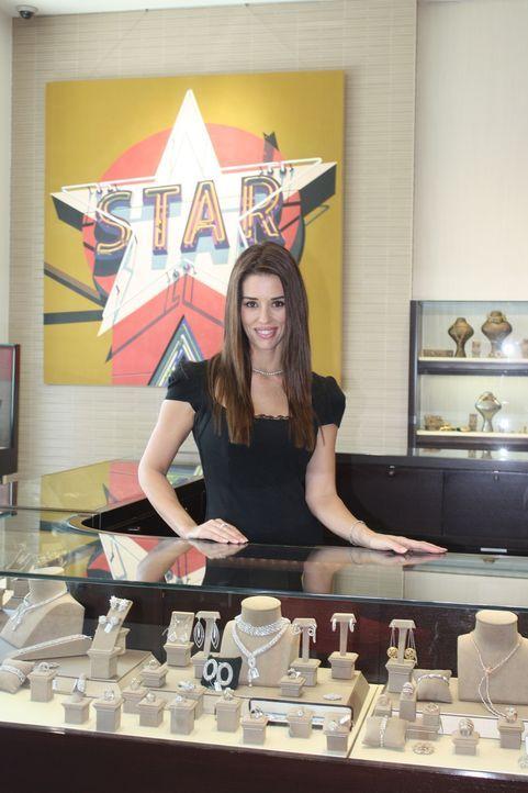 Cory bietet den Kunden exklusive Stücke aus dem Besitz von Hollywood-Stars und Superreichen an. - Bildquelle: Asylum