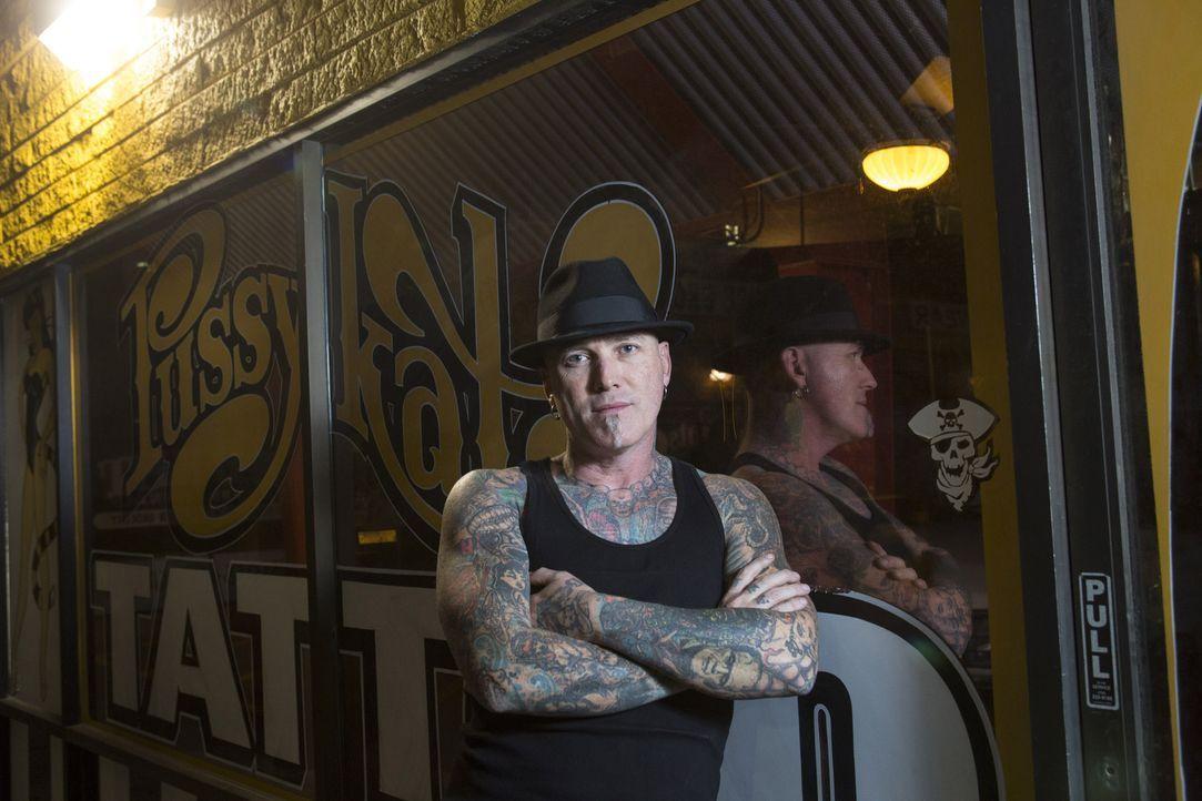 Dirk will einem Vater helfen, dessen Tattoo ihm böse Blicke von anderen Eltern einbringt ... - Bildquelle: Richard Knapp 2014 A+E Networks, LLC