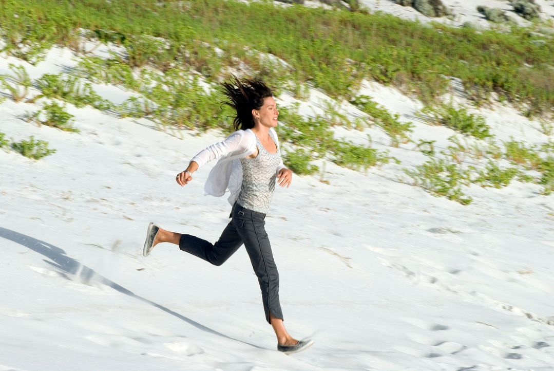 Um ihre Ehe zu retten, begibt sich das Yuppie-Paar Peter und Carla (Claudia Karvan) über das Wochenende an einen einsamen Strand. Doch kaum in der W... - Bildquelle: Arclight Films