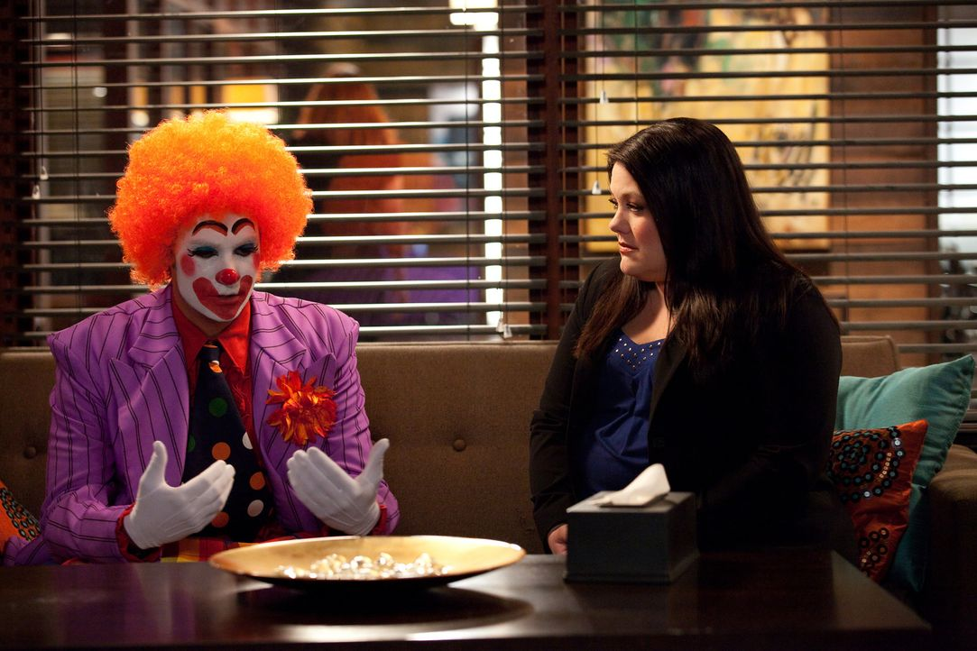 Ein besonders schwieriger Fall wartet auf Jane (Brooke Elliott, r.). Sie vertritt einen Mann (Barry Watson, l.), der die Trauer um seine verstorbene... - Bildquelle: 2009 Sony Pictures Television Inc. All Rights Reserved.