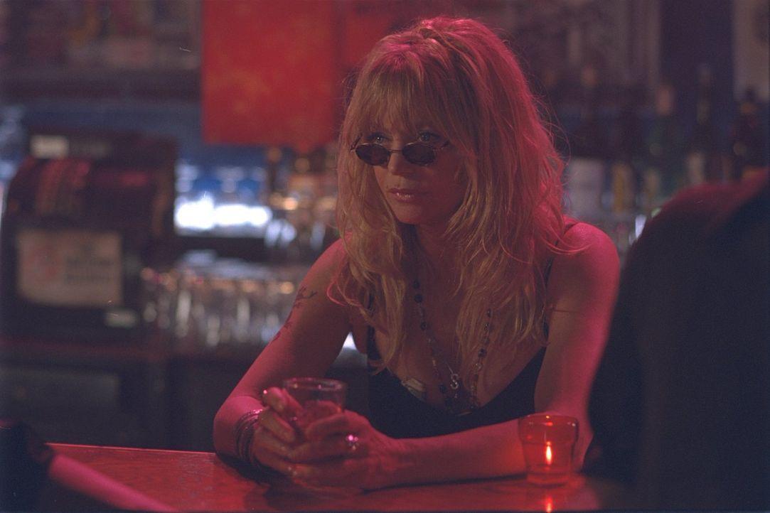 Als sie Jahrzehnte später bei ihrer besten Freundin auftaucht, bringt Suzette (Goldie Hawn) deren Leben komplett durcheinander ... - Bildquelle: 2002 Twentieth Century Fox Film Corporation. All rights reserved.