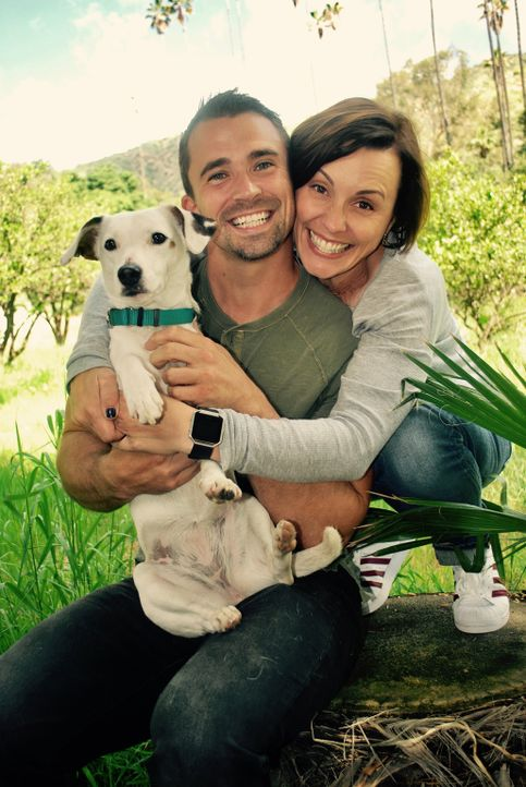(1. Staffel) - Die Herausforderung für die beiden Hundetrainer Laura London (r.) und Nate Schoemer (l.): Hunde zu finden, die nicht nur das Können,... - Bildquelle: Licensed by Magnify Content Media Ltd.