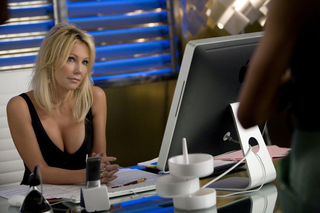 Amanda (Heather Locklear) ist nicht nur biestig und egozentrisch, sondern verfolgt noch einen viel böseren Plan... - Bildquelle: 2009 The CW Network, LLC. All rights reserved.