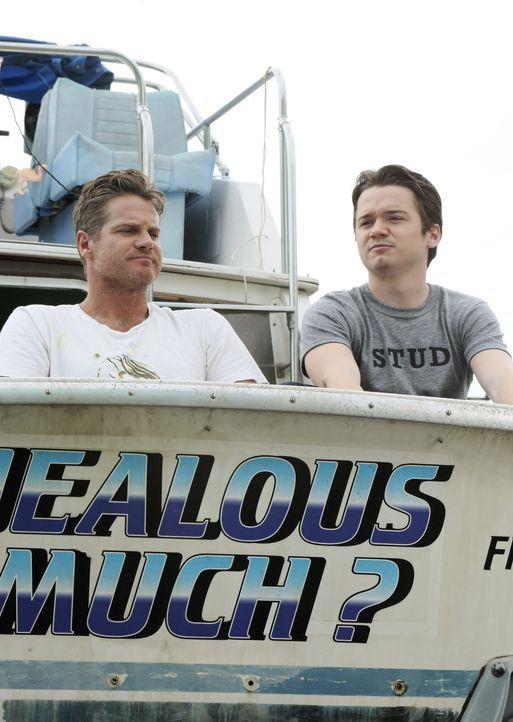 Ein ganz besonderer Männerausflug: Bobby (Brian Van Holt, l.) und Travis (Dan Byrd, r.) ... - Bildquelle: 2010 ABC INC.