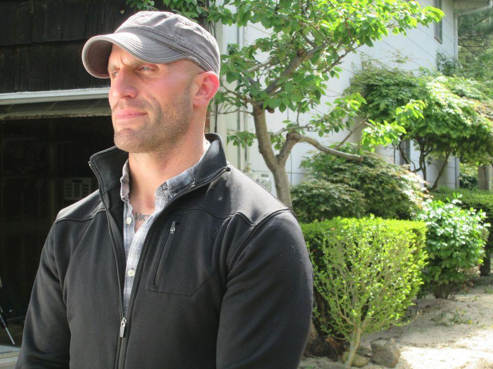 Noch ist Eric hoch motiviert, aber wird er zusammen mit seiner Frau das Haus wirklich so gut renovieren können, dass es ihnen beim Verkauf viel Geld... - Bildquelle: 2014, DIY Network's/Scripps Network's, LLC.