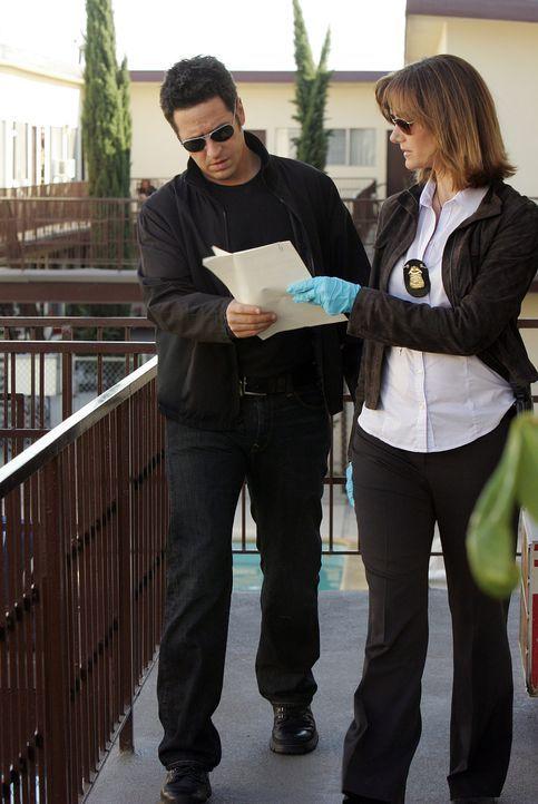 In einem Gerichtsverfahren werden zwei Zeugen umgebracht. Ausgerechnet die Staatsanwältin und Ex-Freundin von Don (Rob Morrow, l.), Robin Brooks (Mi... - Bildquelle: Paramount Network Television
