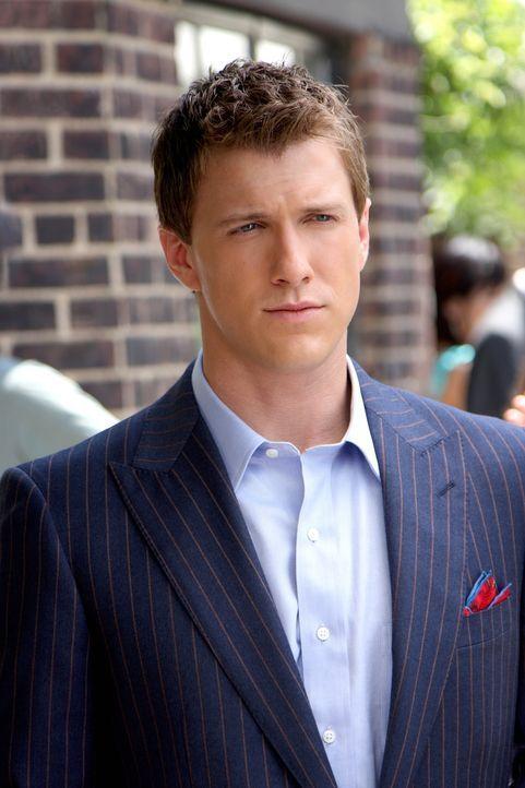 Marcus (Patrick Heusinger) ist sich nicht sicher, ob Blair ihn seinetwegen oder wegen seines Titels liebt ... - Bildquelle: Warner Brothers