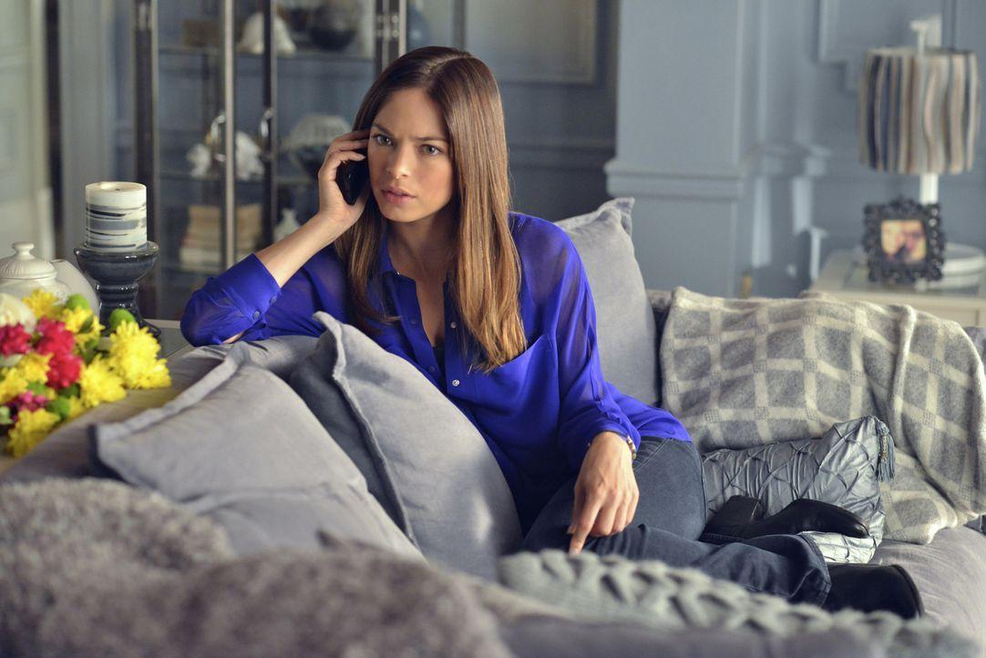 Catherine (Kristin Kreuk) möchte ihre Beziehung zu Vincent zu ihrem Vorteil auszunutzen, um endlich rauszubekommen, für wen er arbeitet ... - Bildquelle: 2013 The CW Network, LLC. All rights reserved.