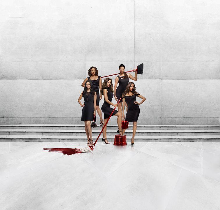 (1. Staffel) - Devious Maids - Hausmädchen im reichen Beverly Hills: Marisol (Ana Ortiz, M.), Rosie (Dania Ramirez, r.), Carmen (Roselyn Sanchez, 2.... - Bildquelle: ABC Studios