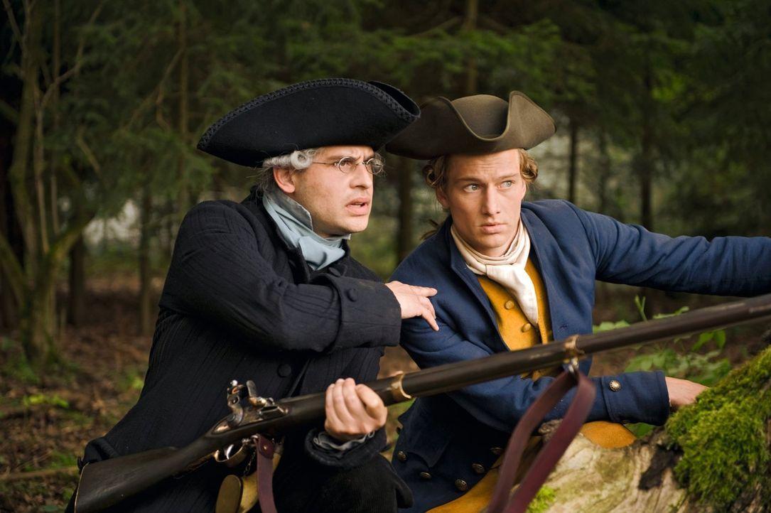 Johann (Alexander Fehling, r.) will um Lotte kämpfen, fordert Kestner (Moritz Bleibtreu, l.) zum Duell und landet im Gefängnis. Doch er gibt nicht a... - Bildquelle: Warner Brothers