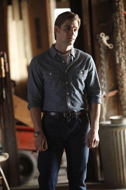 Ohne, dass Dean (Mike Vogel) es möchte, bringt er Colette in eine unangenehme Lage ... - Bildquelle: 2011 Sony Pictures Television Inc.  All Rights Reserved.