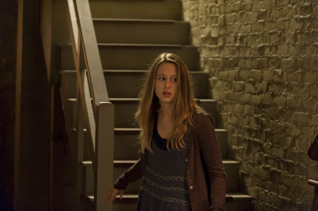 Nachdem sie die Wahrheit über Tate erfahren hat, ist Violet (Taissa Farmiga) völlig durch den Wind. Wem kann sie noch vertrauen? - Bildquelle: 2011 Twentieth Century Fox Film Corporation. All rights reserved.