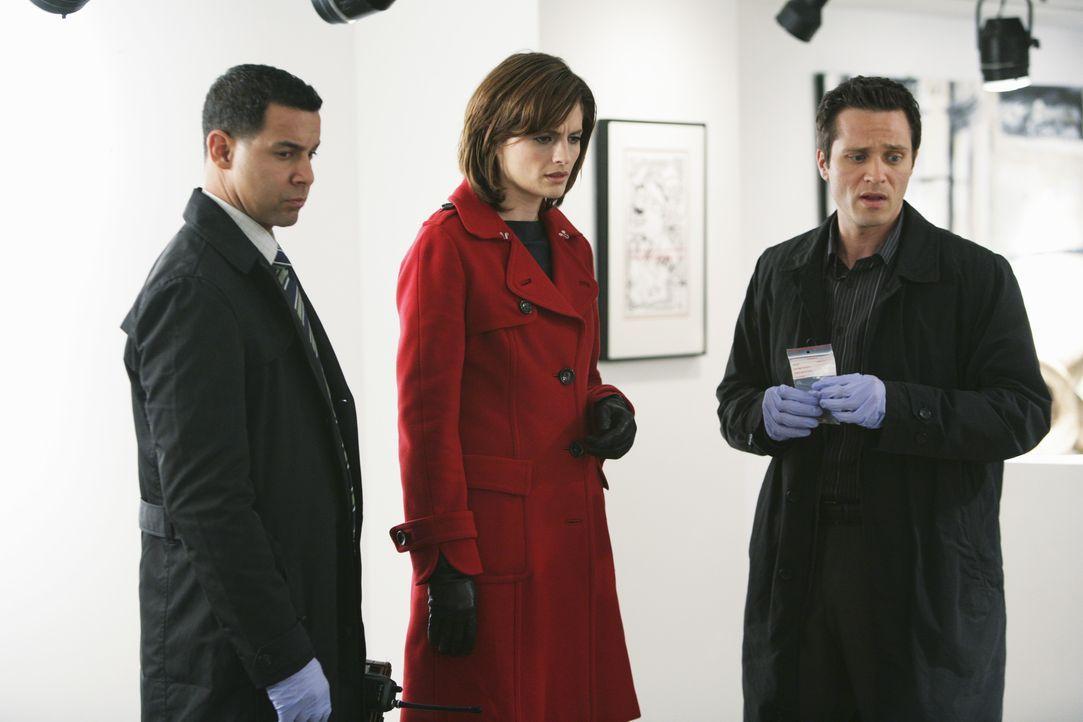 Javier Esposito (Jon Huertas, l.), Kate Beckett (Stana Katic, M.) und Kevin Ryan (Seamus Dever, r.) ermitteln in einem neuen Fall. - Bildquelle: ABC Studios