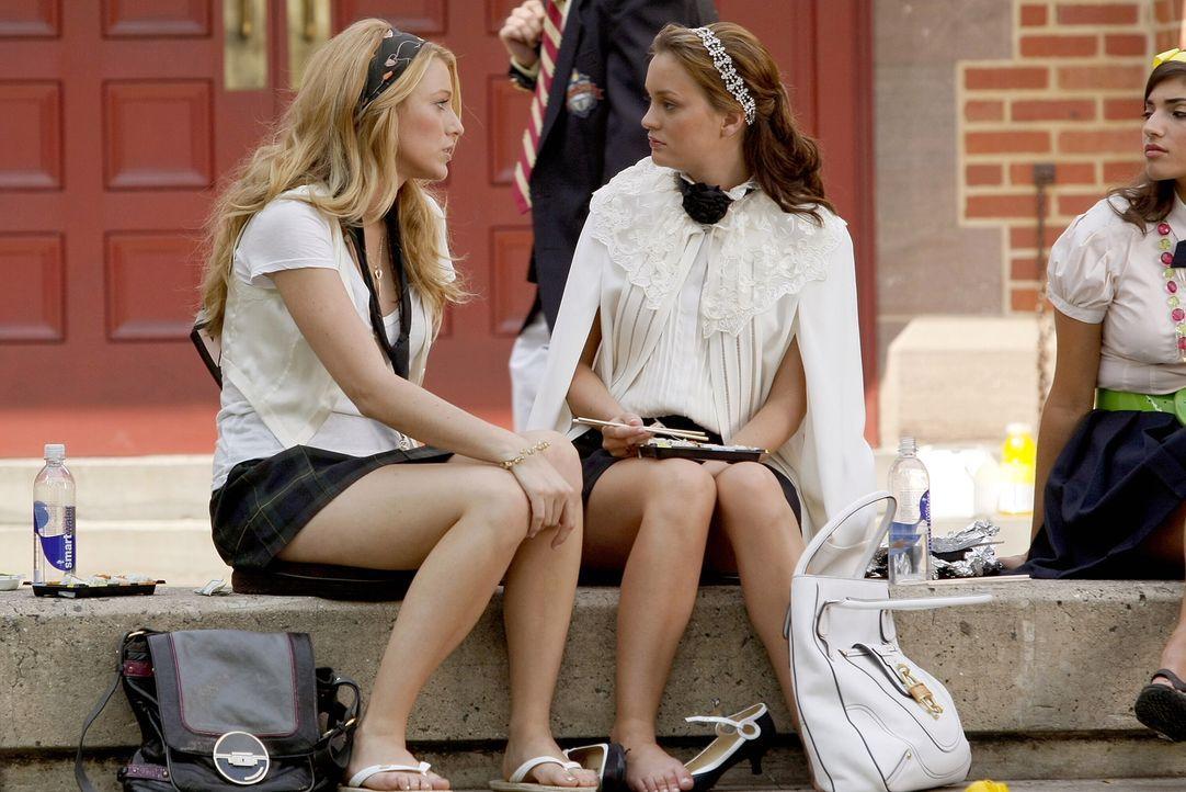 Serena (Blake Lively, l.) bittet Blair (Leighton Meester, r.), gar nichts wegen Dan zu unternehmen. Sie will die Sache ein für alle mal beenden ... - Bildquelle: Warner Brothers
