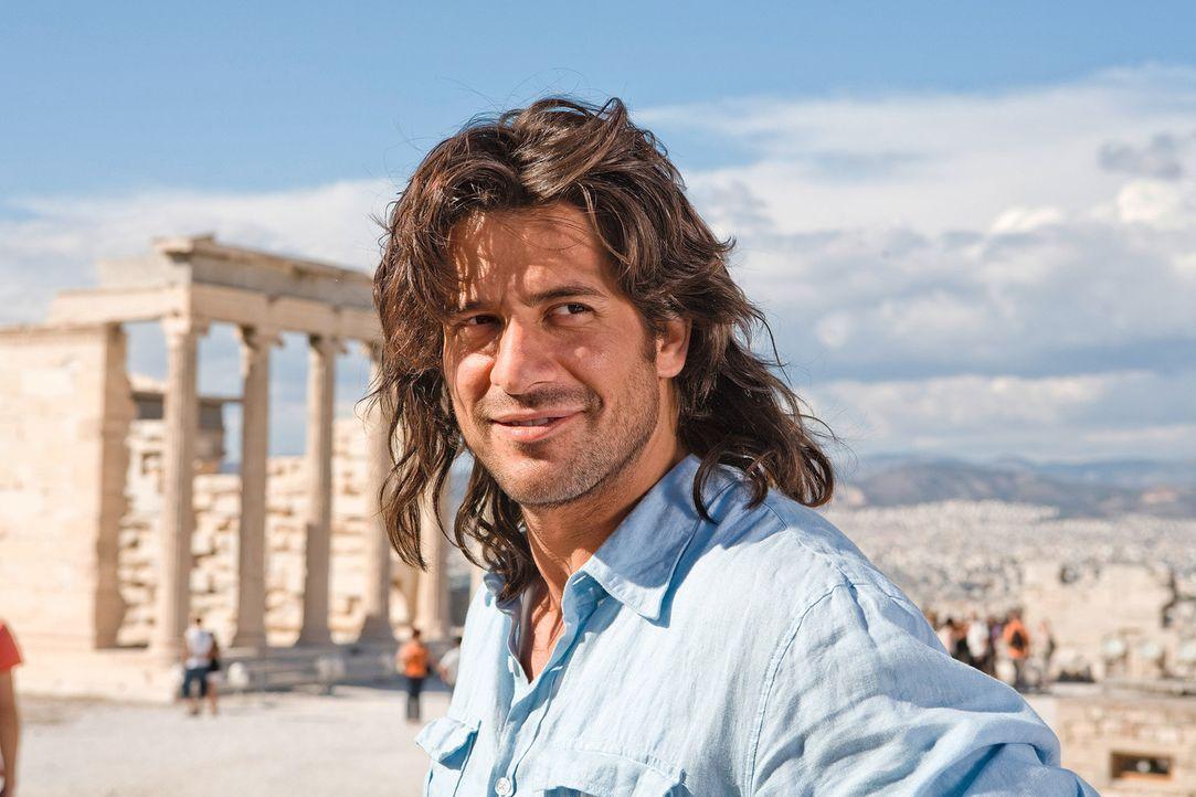 Die positive Veränderung seiner Angebeteten entgeht auch Poupi Kakas (Alexis Georgoulis) nicht... - Bildquelle: 2008 My Life In Ruins, LLC All Rights Reserved