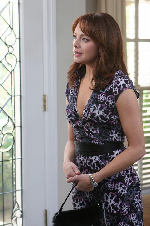 Julie (Melinda Clarke), die sich sehr um Kaitlin bemüht und ihr in Dr. Neil Roberts' Haus eine Geburtstagsparty ausrichtet, ist enttäuscht,... - Bildquelle: Warner Bros. Television
