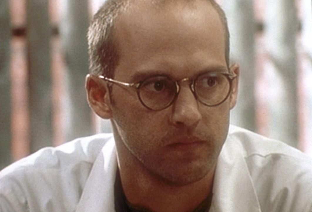 Dr. Greene (Anthony Edwards) hat es nicht leicht: Jennifer beansprucht das alleinige Sorgerecht für Rachel. - Bildquelle: WARNER BROS