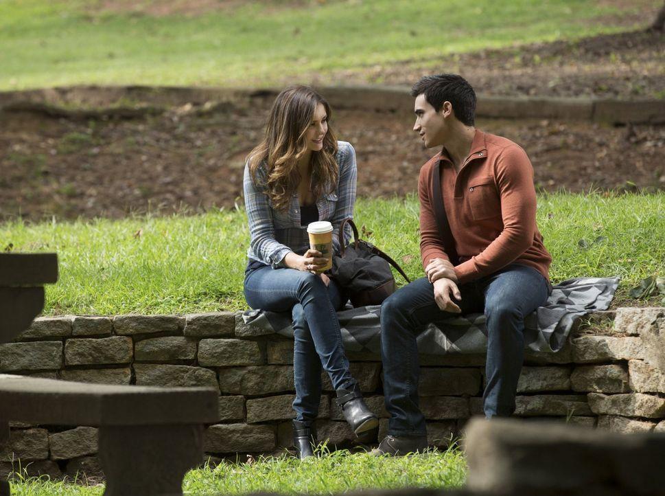 Die Beziehung zwischen Elena (Nina Dobrev, l.) und Damon ist angespannt und Liam (Marco James, r.) macht es nicht unbedingt besser ... - Bildquelle: Warner Bros. Entertainment, Inc