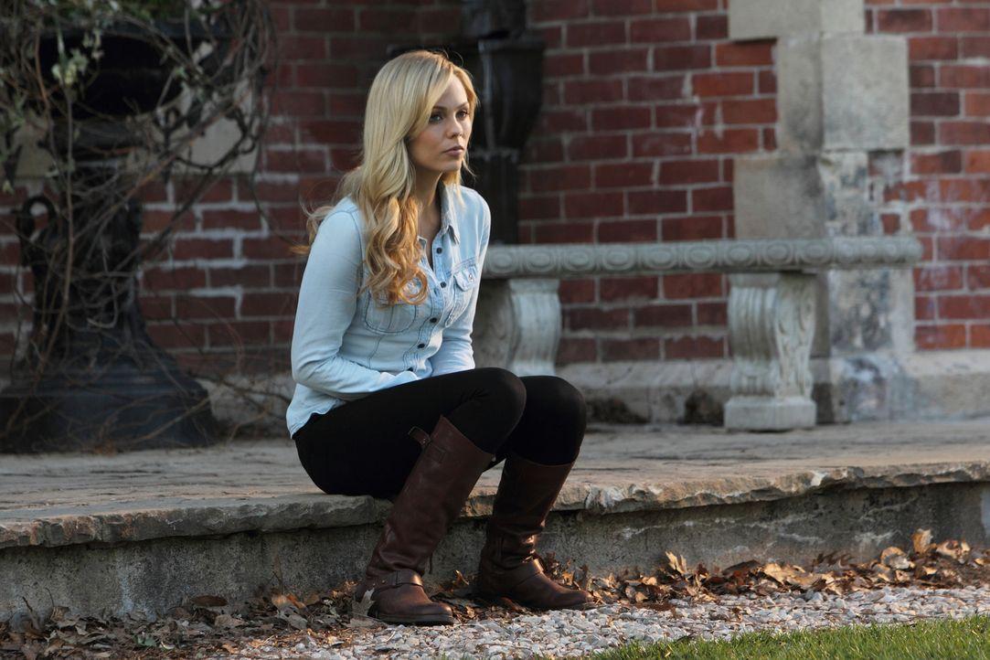 Verwirrende Gefühle machen es Elena (Laura Vandervoort) fast unmöglich, einen klaren Gedanken zu fassen ... - Bildquelle: 2014 She-Wolf Season 1 Productions Inc.