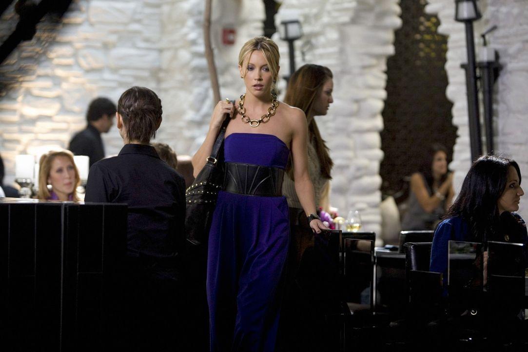 Wie weit wird Ella (Katie Cassidy) gehen, um als Publizistin Erfolg zu haben? - Bildquelle: 2009 The CW Network, LLC. All rights reserved.