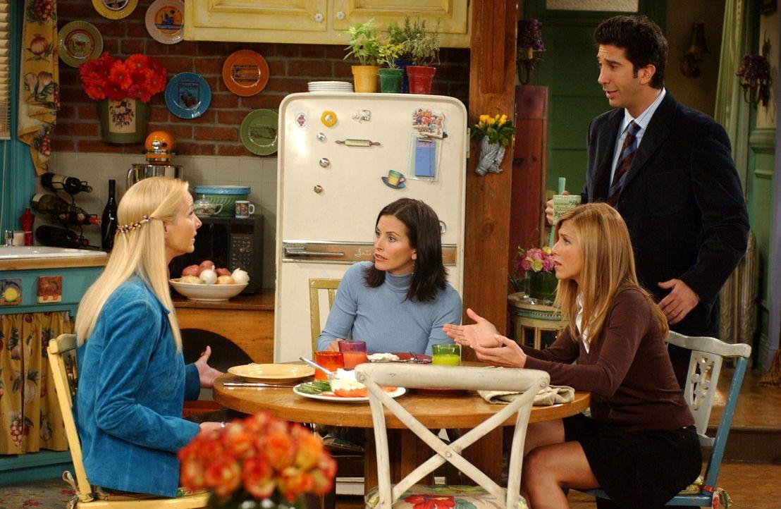 Phoebe (Lisa Kudrow, l.) hat eine Neuigkeit. Monica (Courteney Cox, 2.v.l.), Rachel (Jennifer Aniston, 2.v.r.) und Ross (David Schwimmer, r.) sind s... - Bildquelle: 2003 Warner Brothers International Television