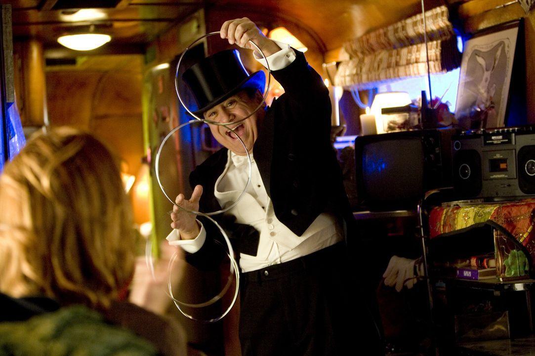 """""""Hokus Pokus!"""": Walter (Danny DeVito) setzt alles daran, ein berühmter Magier zu werden. Doch seine begrenzten Zauberkünste stoßen auf wenig Bege..."""