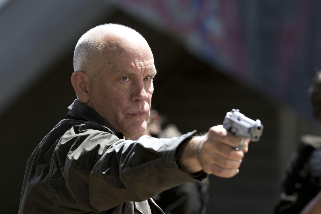 General Grigio (John Malkovich) hat ein ernsthaftes Problem - mit Zombies und seiner verliebten Tochter ... - Bildquelle: 2013 Concorde Filmverleih GmbH