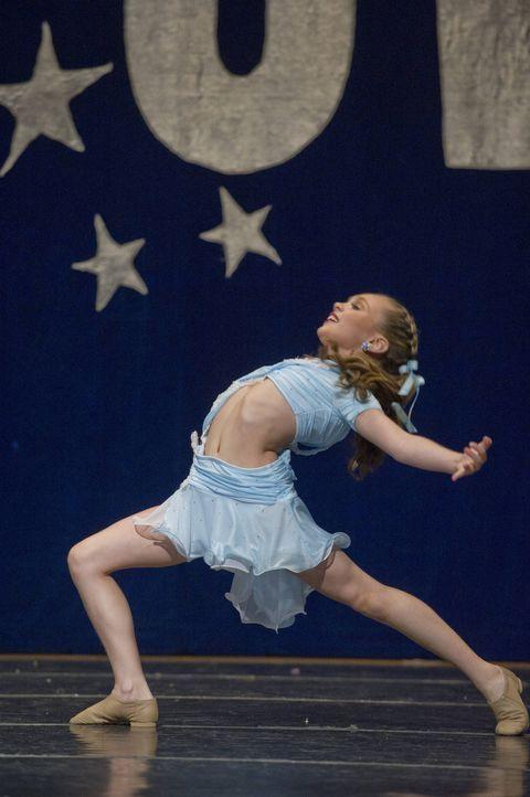 """Neid kommt auf, als die Dance Moms erfahren, dass Maddie die begehrte Rolle bei """"Drop Dead Diva"""" bekommt ... - Bildquelle: Barbara Nitke 2012 A+E Networks"""