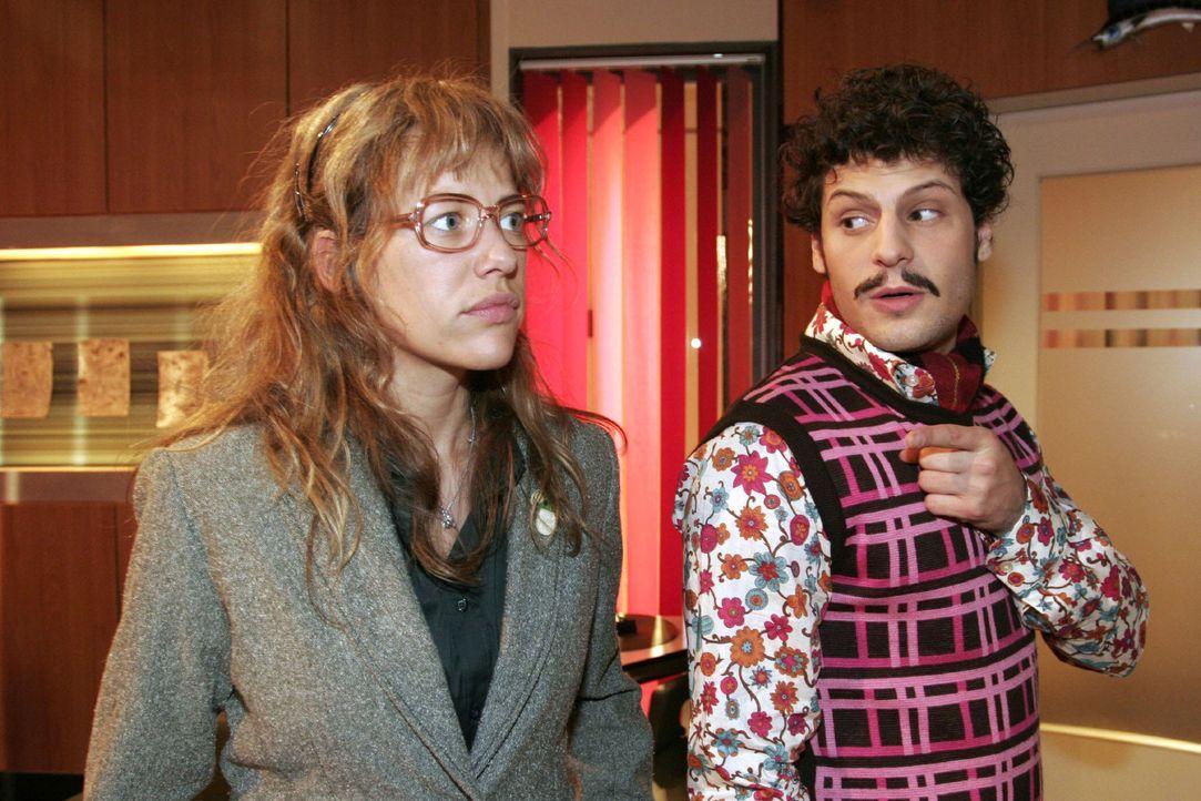 Lisa (Alexandra Neldel, l.) schlägt dem überraschten Rokko (Manuel Cortez, r.) nach dem verpatzten Date ein erneutes Treffen vor. (Dieses Foto von... - Bildquelle: Noreen Flynn Sat.1