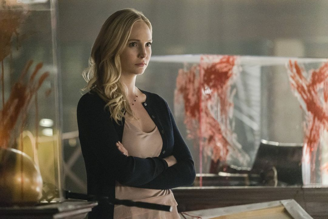Wird Caroline (Candice King) ihre kleinen Zwillinge wirklich in ihre Welt aus Kampf, Blut und Verderben hineinziehen müssen? - Bildquelle: Warner Bros. Entertainment, Inc.