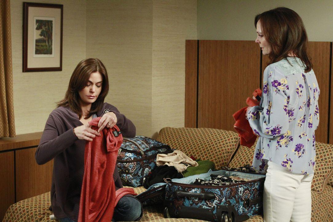 Susan (Teri Hatcher, l.) ist entsetzt, als sie merkt, dass Mutter Sophie (Lesley Ann Warren, r.) nicht bereit ist, ihr eine Niere zu spenden ... - Bildquelle: ABC Studios