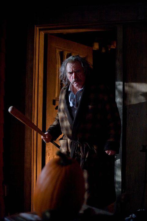 Auf den alten Eigenbrötler Mr. Kreeg (Brian Cox) warten bereits eine Menge saurer Überraschungen ... - Bildquelle: 2007   Warner Brothers