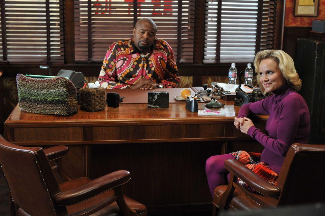 Während Ned und Chuck ihre Probleme mit Chucks Vater haben, arbeiten Ned (Chi McBride, l.) und Olive (Kristin Chenoweth, r.) an dem Fall um Merle M... - Bildquelle: Warner Brothers